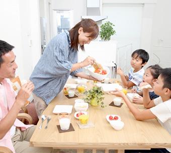 東京圏からの移住や少子化対策という国の方針を促進する意図